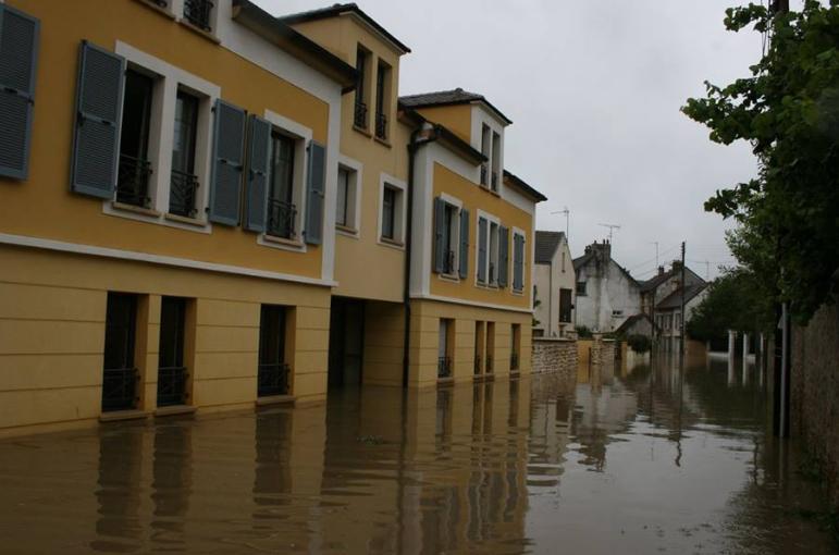 inondation des routes autour de toussus toussus net. Black Bedroom Furniture Sets. Home Design Ideas
